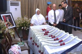 BJ Habibie wafat - Warga padati TMP Kalibata