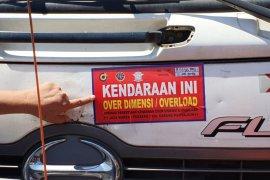 130 truk terjaring operasi penertiban di Tol Cipularang