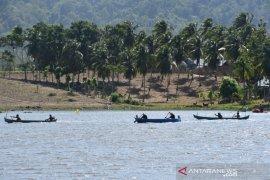 Korem Nani Wartabone gelar lomba perahu di Danau Perintis