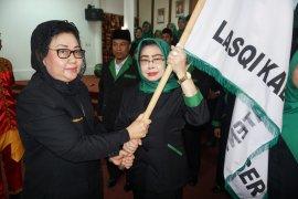 Mutiarni Yusriansyah Syarkawii dilantik Jadi Ketua LASQI Paser