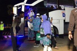Dalam perjalanan pulang, seorang haji Lampung wafat