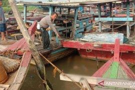 Mayat tersangkut tali kapal di Sungai Deli