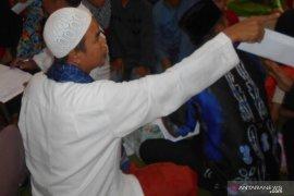 156 warga Dayak Paramasan Pegunungan Meratus memeluk agama Islam