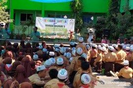 Taman Safari Prigen ajak pelajar Surabaya cintai satwa lewat AGTS (Video)
