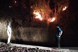Di Sukabumi, ratusan hektare lahan perkebunan terbakar