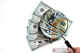 Ekspektasi inflasi meroket, dolar dekati posisi terendah 10 minggu