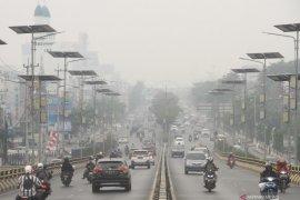 Kabut asap selimuti kota Banjarmasin Kalsel  berkurang
