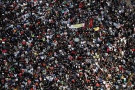 Polisi Hong Kong tembakkan gas air mata ke pengunjuk rasa