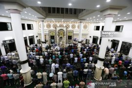 Umat Islam Palestina di Gaza salat gaib hormati wafatnya BJ Habibie
