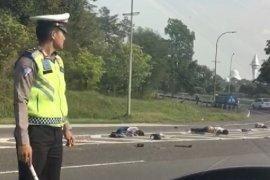 Kecelakaan, tiga meninggal akibat mobil APV terguling di Tol Jagorawi