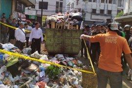 Bayi laki-laki ditemukan tak bernyawa di tempat sampah di Kota Bandung