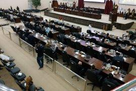 Pimpinan definitif DPRD Banten tunggu SK Mendagri sebelum ditetapkan