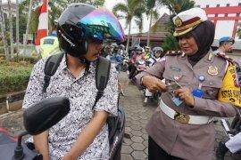 Polresta Pontianak keluarkan 300 tilang-teguran sepanjang Operasi Patuh Kapuas 2019