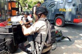 Pipa besi diduga bom ditemukan di pos polisi NTB