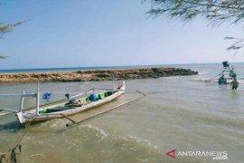 BPBD Sumenep minta bantuan Basarnas cari nelayan hilang.