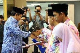 Arinal Djunaidi Berikan Tali Asih Kafilah STQ Nasional Ke-25