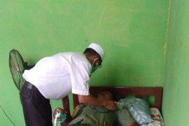 Dinkes Batanghari berikan pengobatan gratis bagi warga terpapar kabut asap