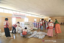 PMI Palu distribusikan paket bantuan untuk korban likuifaksi