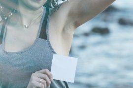 Kenali penyebab bau ketiak seperti bawang dan tips mengatasinya