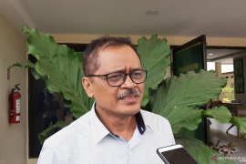 KPK perpanjang  tahanan Gubernur Kepri nonaktif