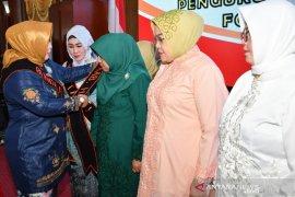 Hj. Isnaniah Achmad Fikry dikukuhkan sebagai Bunda PAUD HSS