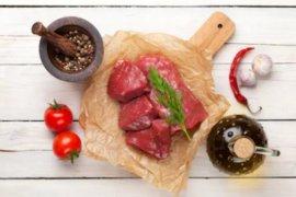 Chef ini bagi tips merebus jeroan daging kambing kurban
