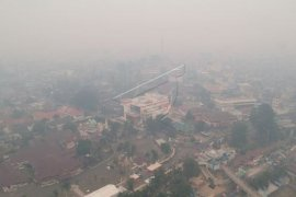Kabut asap di Kota Jambi kian pekat