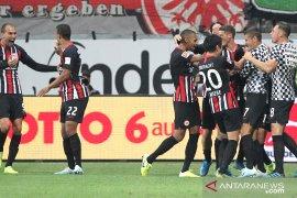 Liga Jerman, Gol bunuh diri Delaney paksa Dortmund imbang lawan Frankfurt