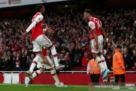 10 pemain Arsenal bangkit kalahkan Aston Villa
