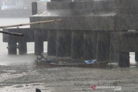 Hujan Deras Guyur Kota Banjarmasin