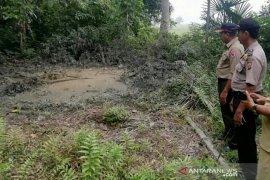 Sumur bor di Aceh Utara semburkan lumpur, terdengar gemuruh