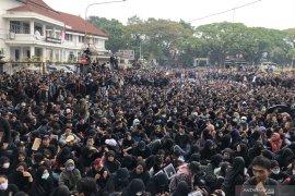 Tolak RUU KUHP, ribuan mahasiswa Kota Malang gelar aksi di DPRD