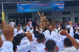 Gubernur Kepulauan Babel kampanyekan gerakan tanpa plastik di sekolah