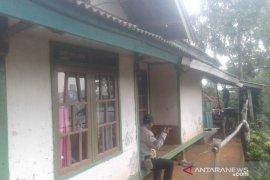 AR terduga teroris yang ditangkap,  warga Cianjur