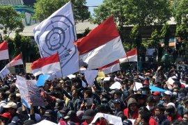 Di Surabaya, aksi ribuan mahasiswa tolak RKUHP berlangsung damai (Video)