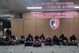 Polisi sebut demo tolak RKUHP ricuh disusupi kelompok  lain