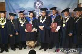 Kelulusan Kahiyang dan Bobby kabar gembira bagi Presiden, kata Rektor IPB