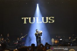 Tulus awali konser sewindu karirnya dari Malang