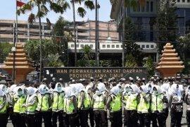 "Polda Jatim siagakan pasukan ""Asmaul Husna"" dinginkan demo"
