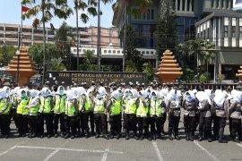 Dinginkan demo Surabaya, Polda Jatim terjunkan pasukan Asmaul Husna