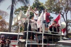 Kembali, mahasiswa  aksi ke DPRD Garut