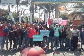 Disdik Jabar telusuri sebaran ajakan demontrasi kepada siswa SMA di Garut