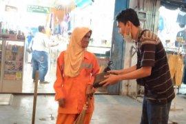 """Mengenal komunitas """"berbagi nasi"""" (Bernas) di Jambi"""