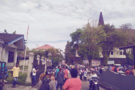 Gempa di Ambon, satu orang meninggal tertimbun longsor