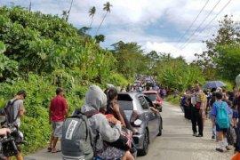 Empat warga meninggal termasuk satu balita akibat gempa Ambon