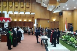 Pimpinan DPRD Surabaya 2019-2024 resmi dilantik