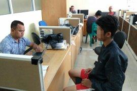Kapolda tangguhkan penahanan tiga mahasiswa tersangka perusakan DPRD Sumbar
