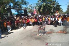 Korban meninggal saat unjuk rasa di Kendari jadi dua orang