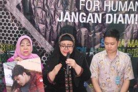 Ibu Faisal Amir di Komnas HAM: Jika anak saya meninggal jenazahnya akan saya bawa ke DPR