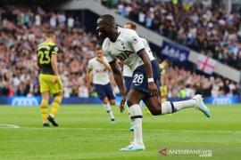 Liga Inggris, Tottenham balik ke jalur kemenangan, 10 pemain atasi Southampton